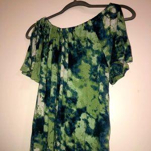 Tie Dye cold shoulder shirt size 2x